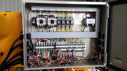 工作电压:380v(三相)